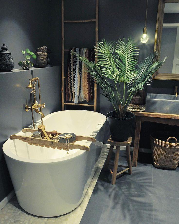 Nysgjerrig på de 4 mest aktuelle baderomstrendene? Klikk deg inn på siste blogginnlegg. Håper du blir inspirert! Fliser og badekar fra @flisekompaniet #myhome Sponset