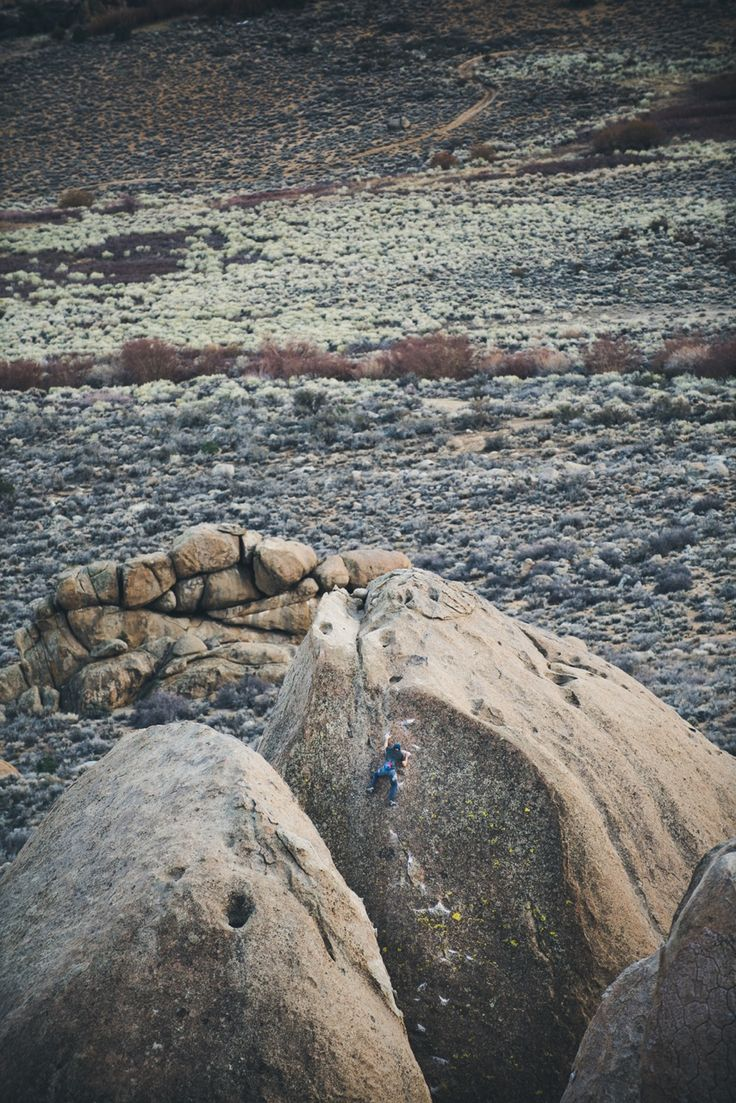 ambassador Lance Carrera getting high up on Footprints in Bishop, CA
