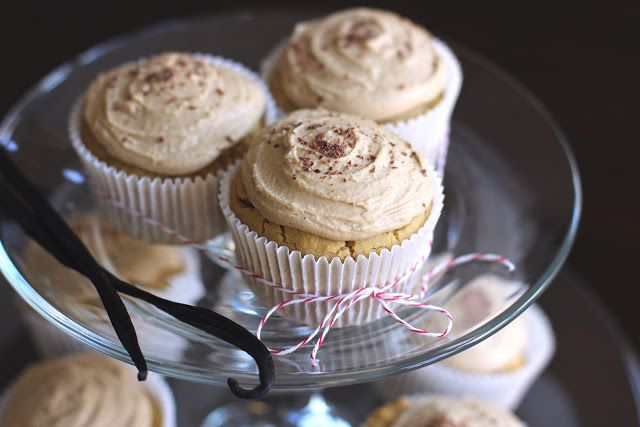 Vanilla Toffee Quinoa Cupcakes with Toffee Frosting || Desserts with Benefits