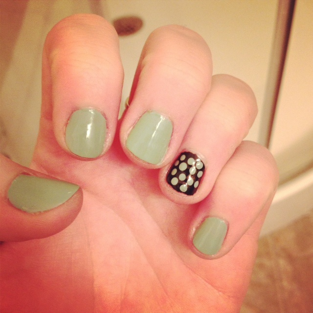 7 Tips For Ocean Chlorine Proofing Your Manicure Nail