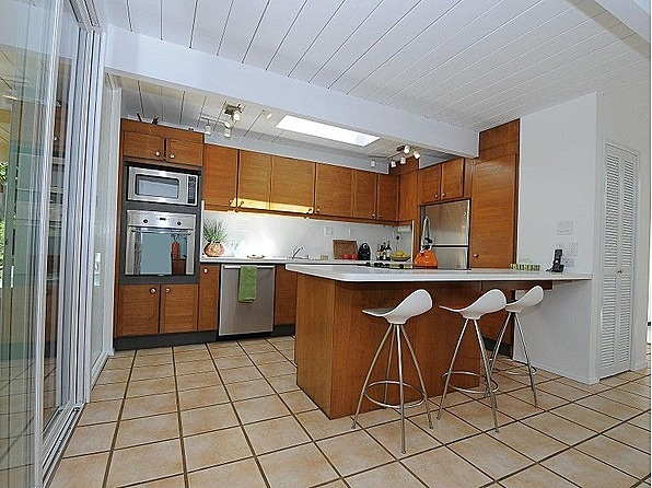 1000 images about eichler on pinterest cherries teak for Atrium white kitchen cabinets