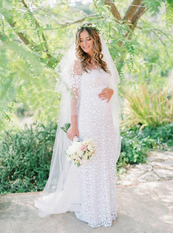 Fashion   Como escolher vestidos de noiva se você está grávida   Revista iCasei
