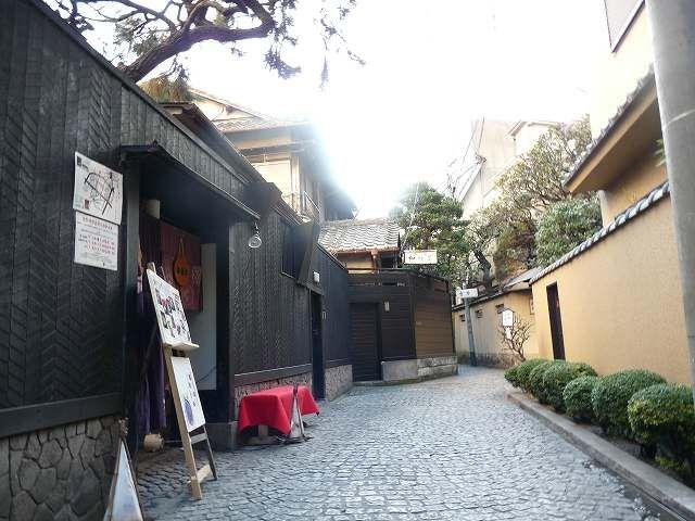 Kagurazaka, Shinjuku city, Tokyo 神楽坂、路地裏