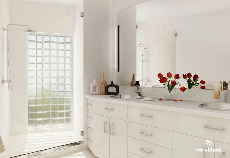 LUZ NATURAL EN TU BAÑO Aplicación de ladrillo de vidrio liso incoloro. . . #Vitroblock #LadrilloDevidrio #Baños #Toilette #Arquitectura #Obra #CasaIdeas