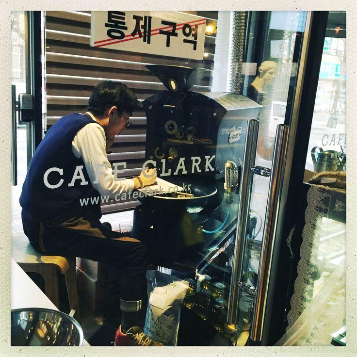 Cafe Clark - Mollakorea Your Pyeongtaek neighborhood hipster coffee shop.