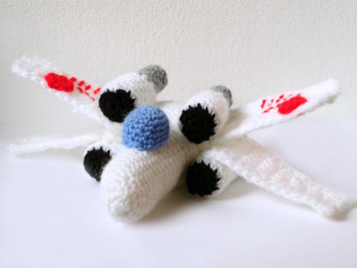 Amigurumi | Easy and Medium Difficulty Amigurumi Patterns for the Star Wars Ships ...
