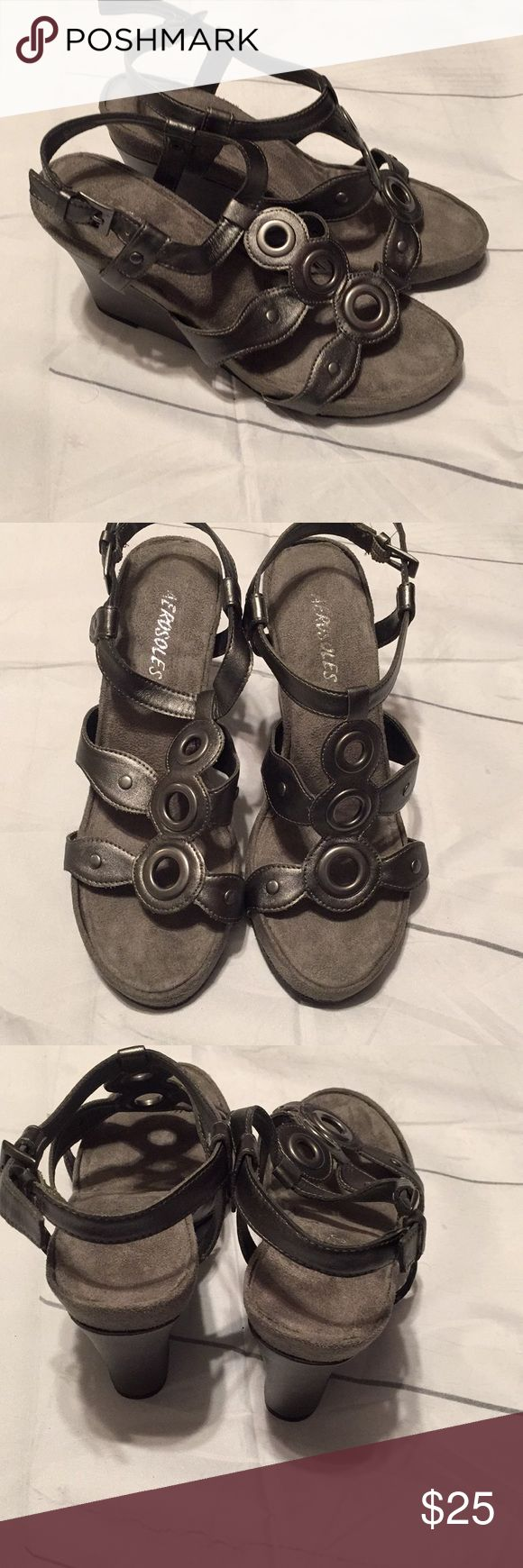 """Aerosoles gray wedges size 7 Aerosoles gray wedge sandals size 7 in good condition. 3"""" heel. Comes from smoke free and pet free home. AEROSOLES Shoes Wedges"""