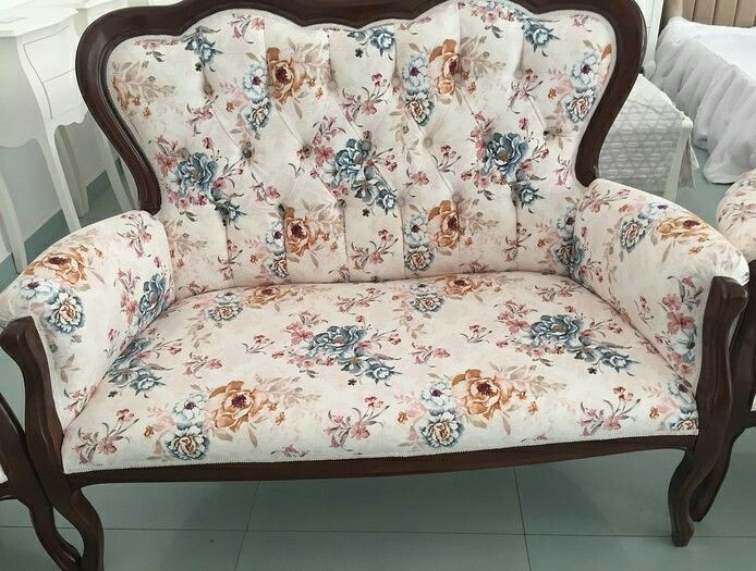 Canapea 2 locuri tapitata la comanda 2 seats sofa