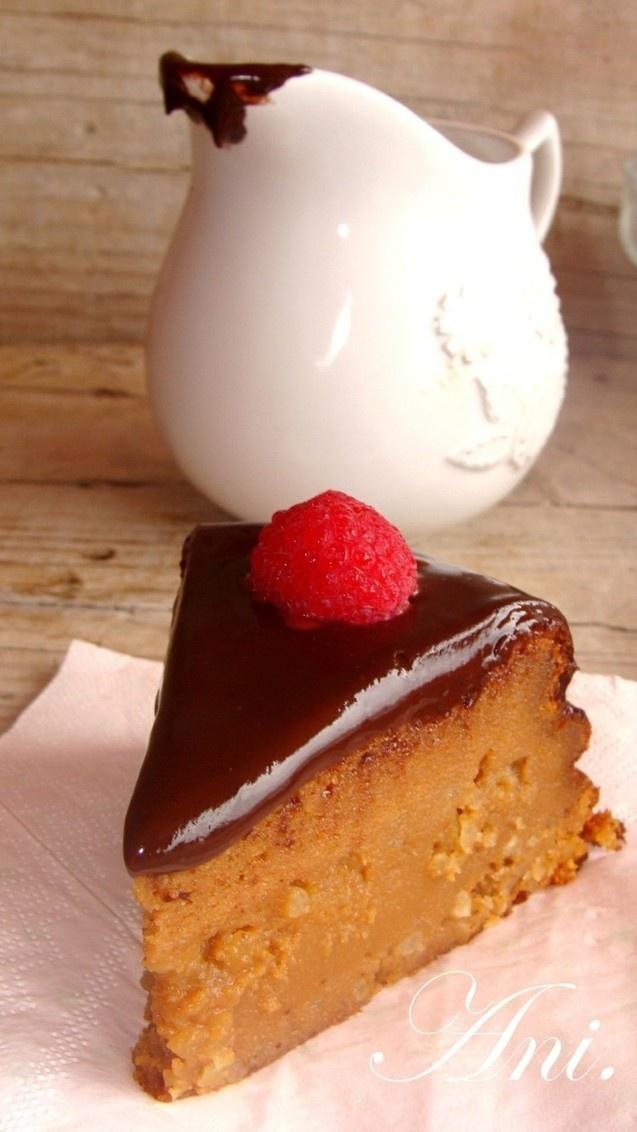 Tarta de dulce de leche con icing de chocolate