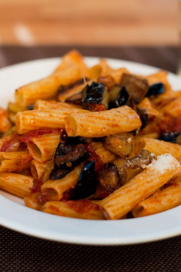 pasta w/ eggplant and tomato- making this sometime this week