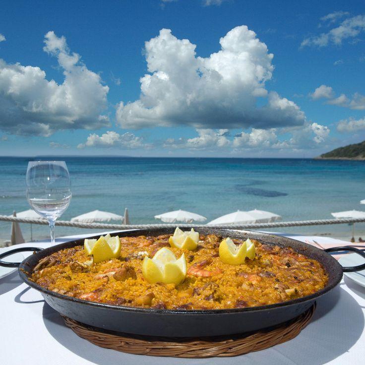 PAELLA en el Restaurante Guaraná, playa de Las Salinas - Ibiza. cerrajerosdesagunto.com