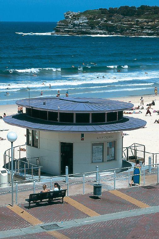 Bondi beach lifeguard surf pavillon, Sydney (Australia) by Tanner & Associates #zinc #architecture #Australia