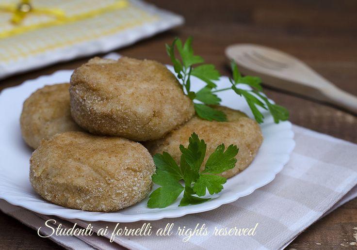 ricetta polpette di cavolfiore patate e formaggio da fare anche fritte e con aggiunta di tartufo e metterle come lecca lecca su bastoncini