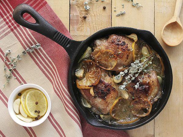 Célébrez la saveur des Jeux panaméricains | La cuisine cubaine, à la fois épicée et tropicale, ajoute une saveur d'agrumes aux plats salés traditionnels. Le mojo (à ne pas confondre avec mojito), la sauce la plus populaire en cuisine cubaine, est un délicieux mélange d'huile, d'ail, d'épices et d'agrumes qui accompagne à merveille le poulet grillé.
