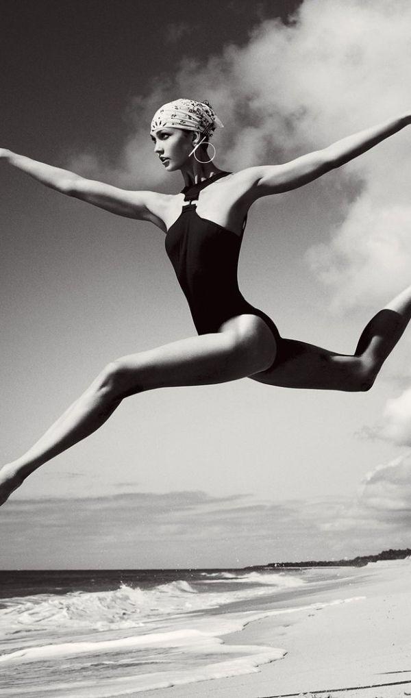 Karlie Kloss photographed by Mario Testino, Vogue, June 2013.