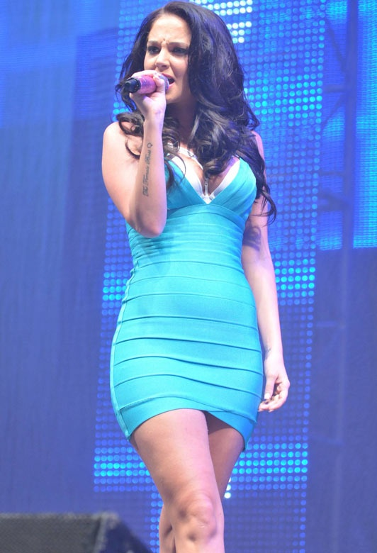 Tulisa Contostavlos Tight Turquoise V Neck Bandage Dress Herve Leger [V Neck Bandage Dress Herve Leger] - $162.00 : Cheap Formal Dresses, Discounted Prom Dresses at DressesBarnCheap