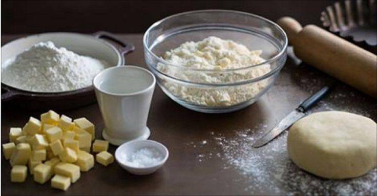 Bucătarul.tv vă oferă o rețetă deosebită a lui Jamie Oliver de pregătire a celui mai delicios aluat sfărâmicios. Potrivit lui, pentru a obține un rezultat ideal trebuie să țineți cont de 2 lucruri importante: să folosiți cele mai bune ingrediente – ouă proaspete, făină de calitate superioară, zahăr nerafinat și cel mai important– respectați tehnologia …
