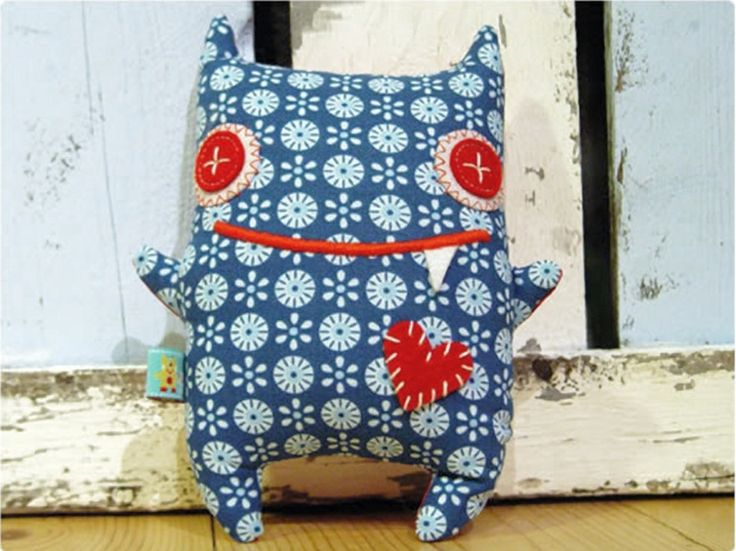DIY-Anleitung: Kuschel-Monster nähen / sewing tutorial: stuffed animal for kids via DaWanda.com