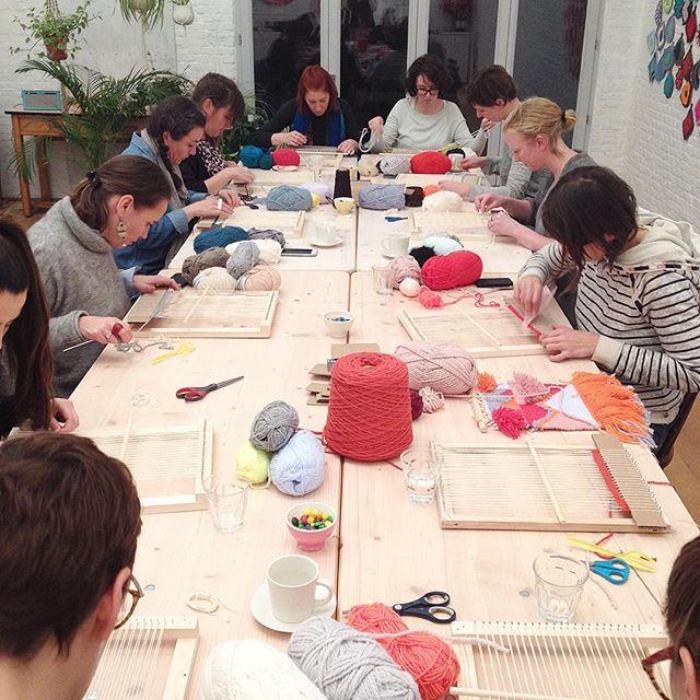 Weave weave weave #workshop #wallhanging #weaving #hetateliervanevav #55m2