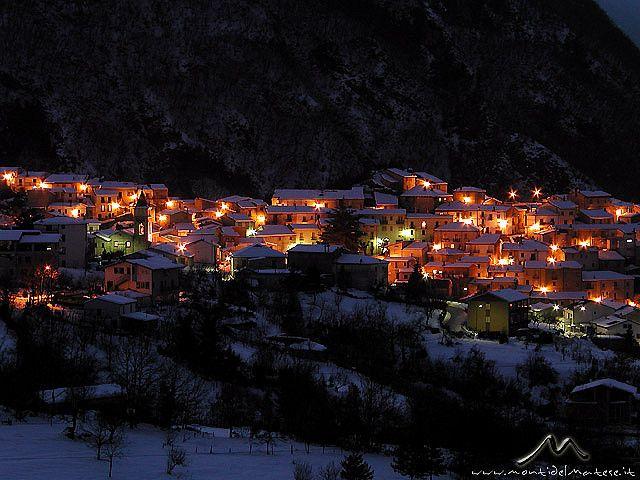 Guardiaregia (CB): candida notte by PluG_MdM, via Flickr