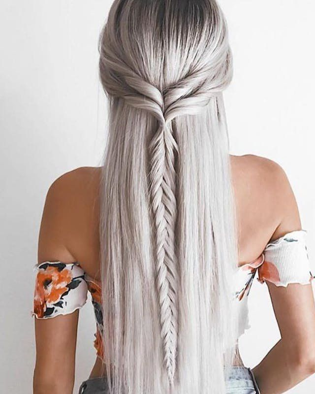 Swooning over this dreamy straight boho fishtail braid straight hairstyle.