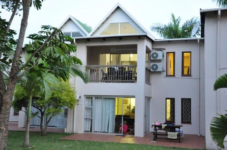 The Bridge Apartment is located on the banks of the in St Lucia Estuary. The property has a outdoor pool with sun beds, squash court, private jetty to view the hippos, crocodiles and abundant bird life.Featuring a balcony, the air-conditioned accommodation has a seating area and a dining area. There is also a kitchen, fitted with an oven and microwave. A toaster and kettle are also offered. Towels and linen are provided.Free shaded parking is available, and laundry and WiFi are available at…