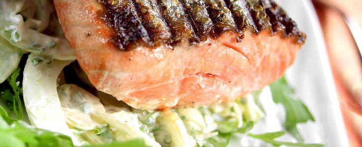 Grillet laks med fennikel og ruccola - Aperitif.no