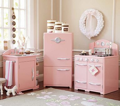 Pink Retro Kitchen Collection #PotteryBarnKids  Oh, my how super cute is this?!!