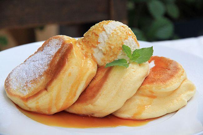 ふわふわ食感で人気の「幸せのパンケーキ 仙台店」オリジナルで、濃厚なソースが魅力の「シチリア産岩塩の塩キャラメルパンケーキ」が新発売! | NEWS | HARAJUKU KAWAii!! STYLE