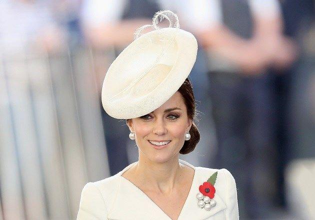 Kate Middleton recycleert jurk voor bezoek aan ons land