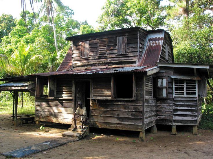 {Woning op de oude plantage Toevlugt - Suriname, foto van vakantiearena} House on the old plantation refuge - Suriname, photo holiday arena