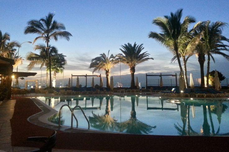 'Der Pool des Hotels' aus dem Reiseblog 'Über Weihnachten auf den Kanaren: Urlaub im Dorado Beach auf Gran Canaria'