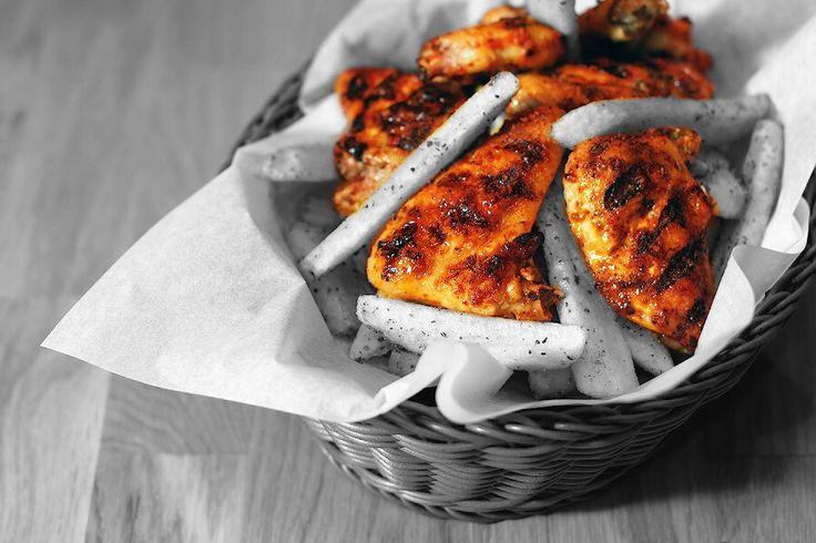 Kömür ateşinde pişirilmiş, lezzetli ve çıtır çıtır tavuk kanatları... Yoksa siz hala denemediniz mi?