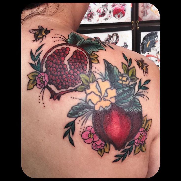 22 best pomegranate images on pinterest pomegranate pomegranates and pomegranate tattoo. Black Bedroom Furniture Sets. Home Design Ideas