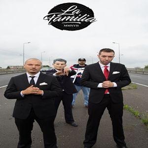 """La 20 de ani de la aparitia oficiala a trupei, odata cu lansarea primului album in anul 1997,""""Baieti de cartier"""",La Familiase alatura grupului Global Records. Dupa vestea ca Sisu si Puya vor ca"""