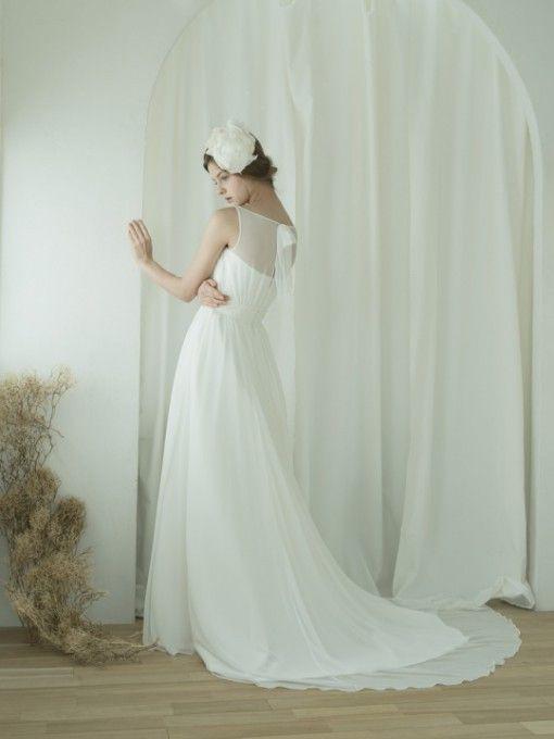妖精みたいに可愛い♡優しいシフォンのトレーンで後ろ姿も美しく♡ナチュラル・スタイリッシュな花嫁さんにおすすめの一覧総まとめ♪