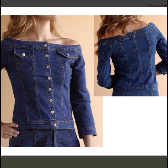 off the shoulder denim crop top Super cute & trendy denim top size M, button down, front pockets, has stretch to fabric, stops right below belly button. Never worn Tops Crop Tops