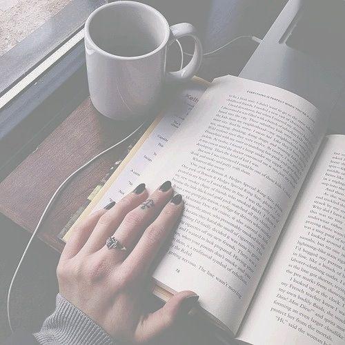 10 cosas que debes saber si quieres salir con una chica a la que le gusta leer