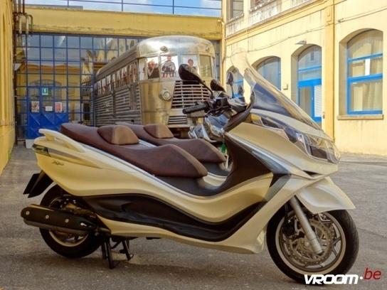 Test Piaggio X10 500 : Viaggiare all'Italiana! (Motortest)