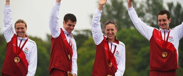 England's Vicky Holland, Jonathan Brownlee, Jodie Stimpson and Alistair Brownlee - Triathlon mixed team relay