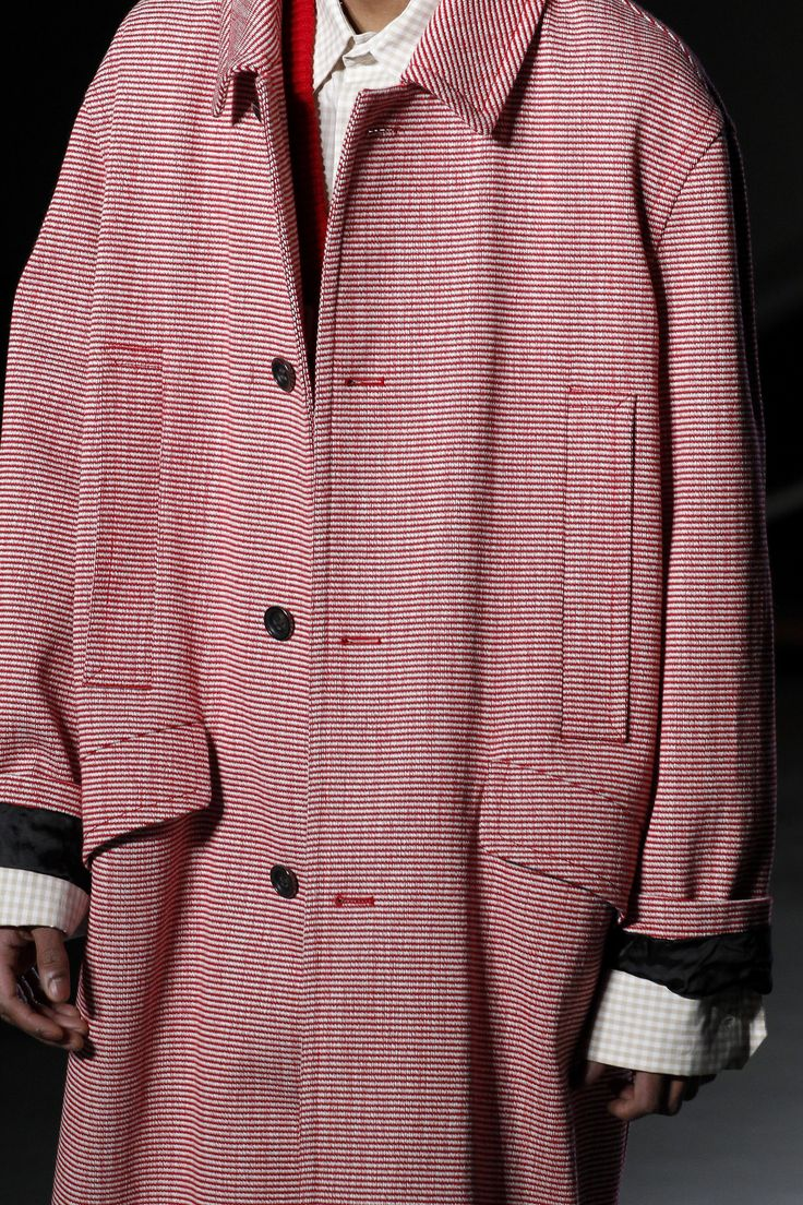 See detail photos for Raf Simons Fall 2016 Menswear collection.