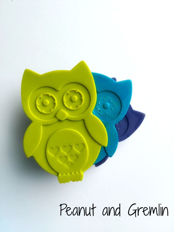 Party Bag Favours, Owl Crayons, Owl Theme, Personalised Favours, Childrens Party, Birthday Party, Wedding Favor, Favor Bags, Crayons by PeanutandGremlin on Etsy https://www.etsy.com/listing/258786098/party-bag-favours-owl-crayons-owl-theme