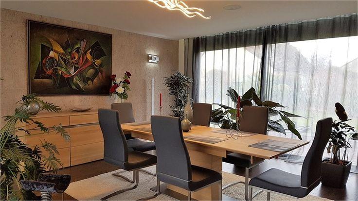 Jolie maison contemporaine à vendre chez Capifrance à Creuzier-le-Neuf     > 175 m², 5 pièces dont 3 chambres et un terrain de 1261 m².    Plus d'infos > Christine Chabroud-Lebre, conseillère immobilière Capifrance.