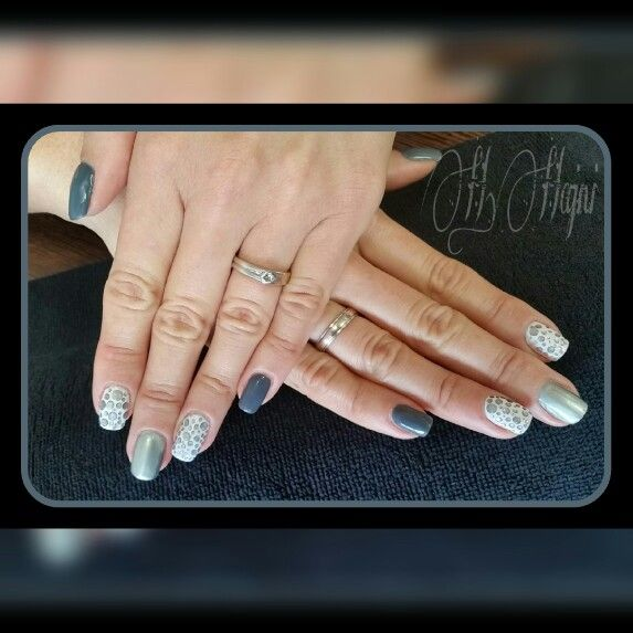 Gray and silver chrome nails