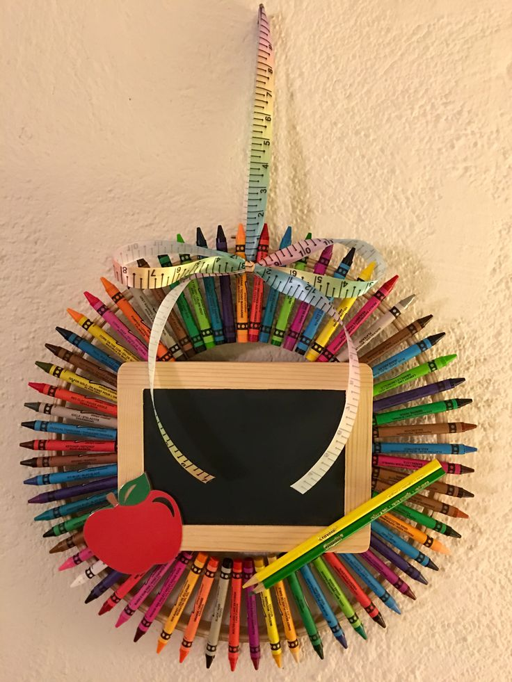 Crayon Wreath - great gift for cooperating teacher at the end of student teaching placement