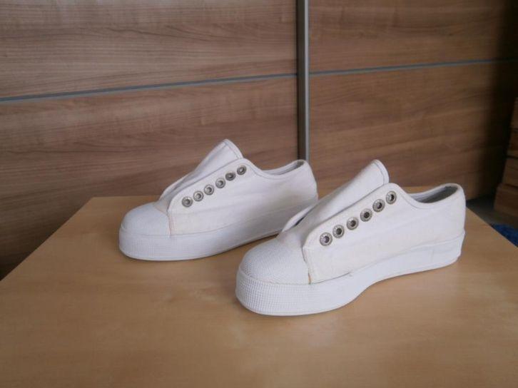 dikke schoenzool gympen  Japanse stijl 2013' Mt 37 Prijs: € 6,50