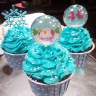 My Winter Wonderland themed cupcakes   wedding cakes ...