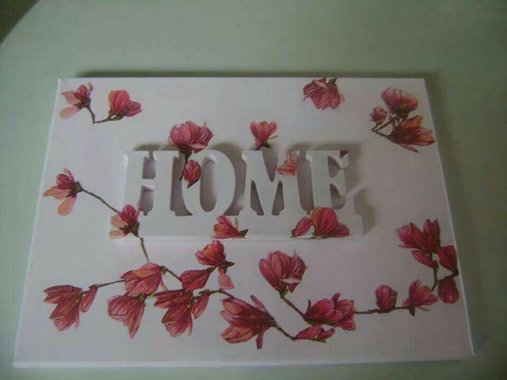 Canvas met een houten woord Home, love etc en servetten