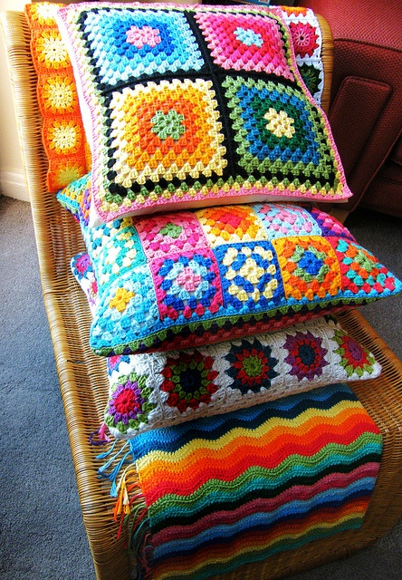 Crochet pillows- very retro and wish I could do this...one day :)
