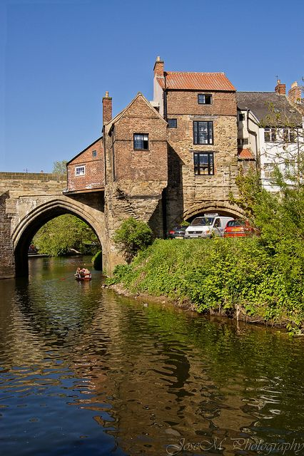 An small insight into what Elvet Bridge may have looked like when it was crowned with shops and buildings